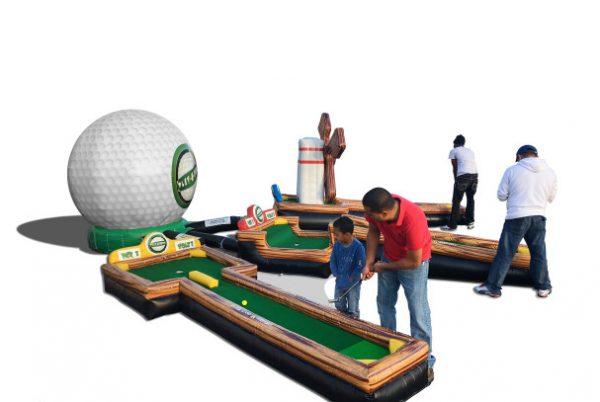 מתחם גולף3 600x402 - מיני גולף 3-6 מסלולים