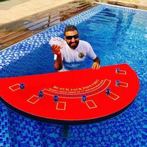 בלאק גק צף 300x300 - שולחן קזינו בלאק ג'ק לבריכה