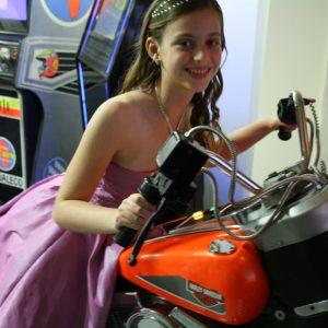סימולאטור אופנוע הארלי 1 300x300 - סימולאטור אופנוע הארלי