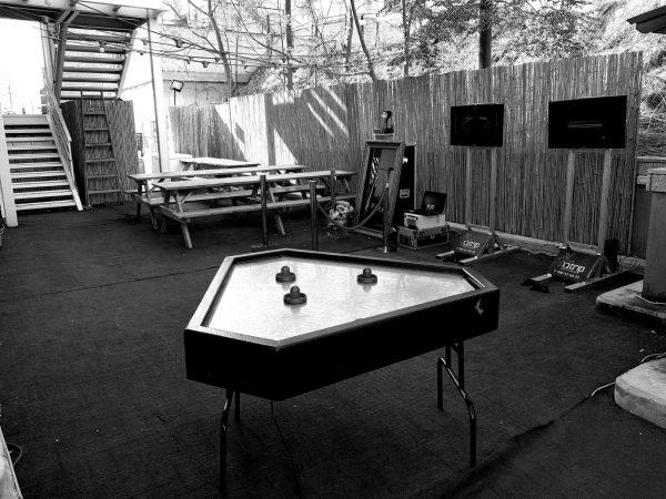 2017 12 02 11.20.14 1 600x450 - שולחן הוקי אוויר משולש