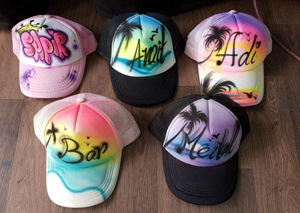 אייר בראש כובעים 7 600x425 - גרפיטי על כובעים