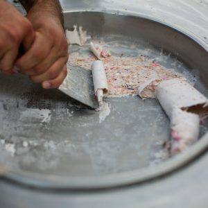 גלידה מגולגלת 2 300x300 - גלידה מגולגלת