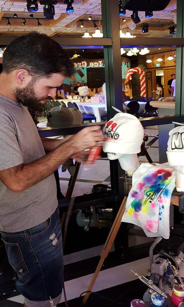 כובעי צמר 2 600x1000 - גרפיטי על כובעי צמר