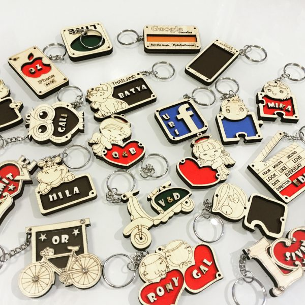2016 09 22 20.56.08 1 600x600 - מחזיקי מפתחות מעץ